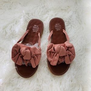Shoes - Pink bow sandals